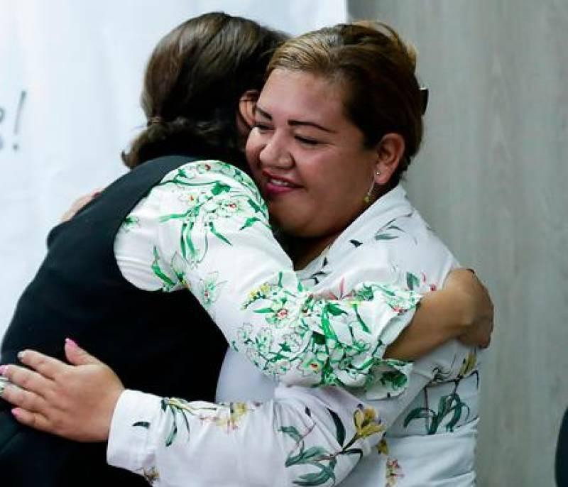 34 años después se reencuentran dos hermanas separadas por tragedia en Armero - El Universal - Colombia