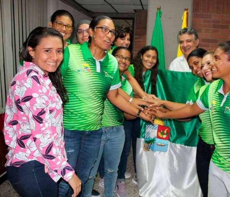 Sóftbolista Noelia González, abanderada de la delegación de Sucre en los Juegos - El Universal - Colombia