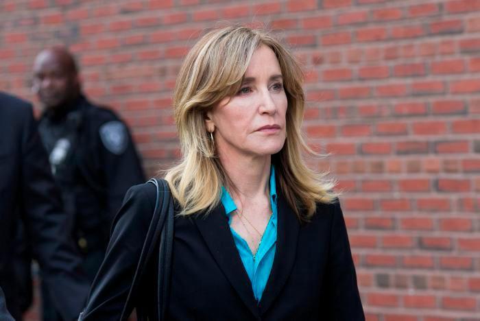 Loughlin quedó el pasado 13 de marzo en libertad tras pagar una fianza de un millón de dólares.//EFE