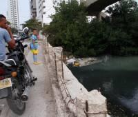Los transeúntes del puente Benjamín Herrera se sintieron agredidos por el  mal olor de666088f6d