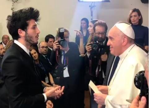 Sebastián Yatra se reunió con papa Francisco y recibió una gran noticia