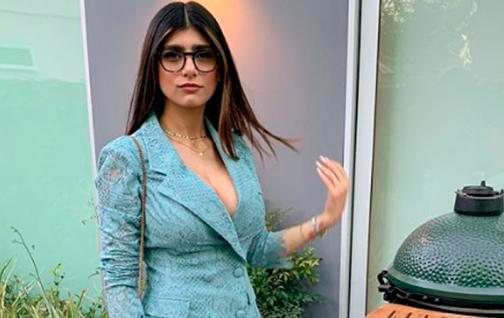 Subasta Mia Khalifa sus lentes para ayudar a afectados por la explosión en Beirut