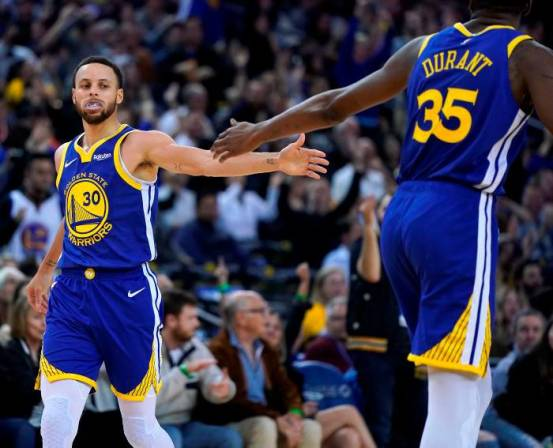 Warriors, mejor marca en el Oeste; Nets y Magic aseguran playoffs en el Este