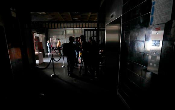 Colapso en calles de Caracas ante apagón y suspensión del Metro