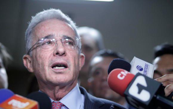 Expresidente Álvaro Uribe recuperó su cuenta de Twitter Colombia