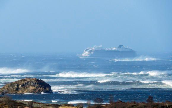 Videos: dramático rescate de un crucero a la deriva en Noruega