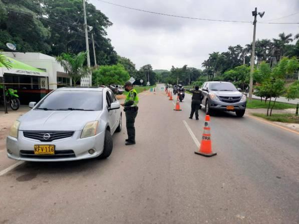 Más de 150 uniformados realizan controles en vías de Bolívar este festivo