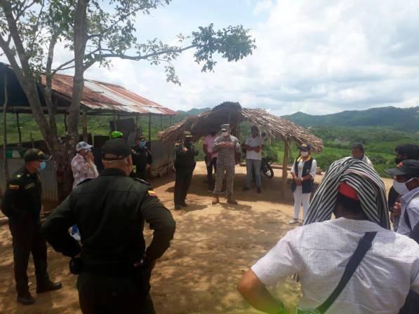 Nueve familias de Caño Negro regresaron ayer a su pueblo