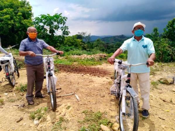 Campesinos de Chengue (Ovejas) reciben bicicletas