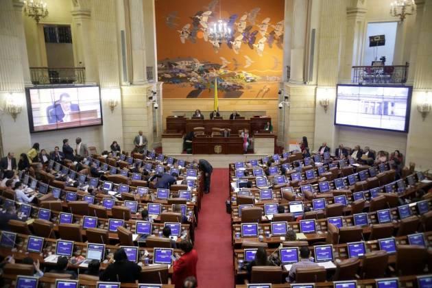 Descartan crisis económica tras caer Ley de Financiamiento