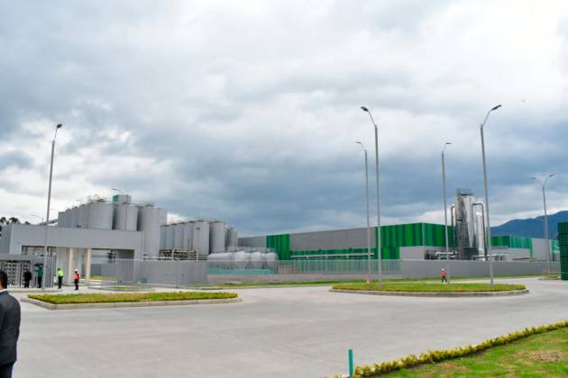 Con nueva planta pasamos de importar a producir: presidente Central Cervecera Colombiana