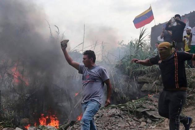 Venezolanos protestaron en los alrededores del edificio de New York Times