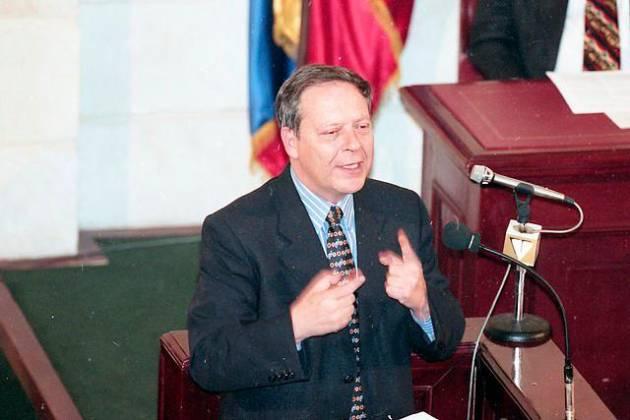 Falleció Carlos Ossa Escobar excontralor general y político colombiano