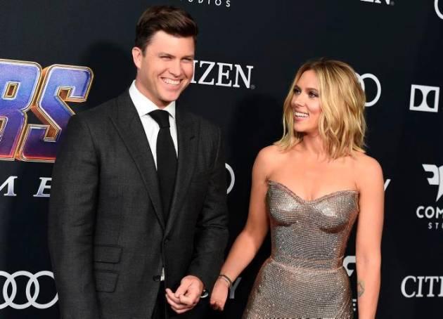 Scarlett Johansson le da el 'sí, quiero' a Colin Jost