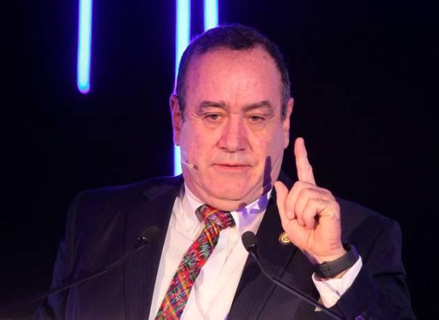 Impiden la entrada a Venezuela del presidente electo de Guatemala