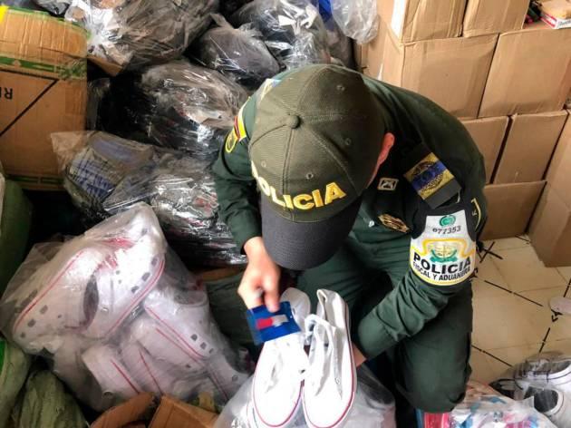 Policía incautó en Barranquilla 20 mil pares de zapatos de