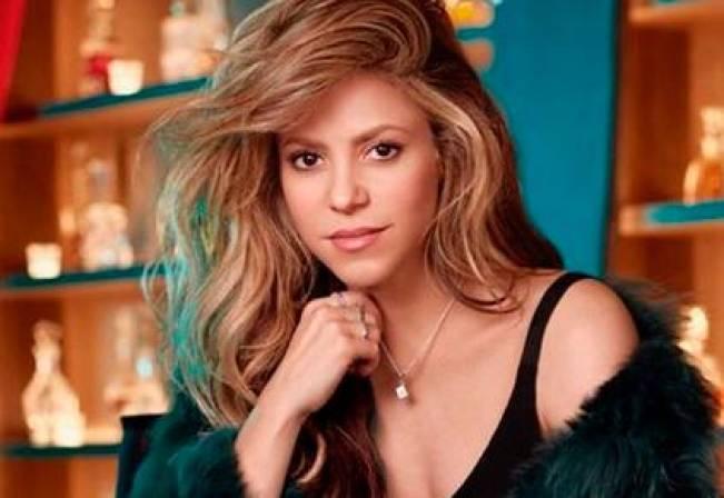b35bd3516384 Shakira, ¿ahora diseñadora de modas? | EL UNIVERSAL - Cartagena