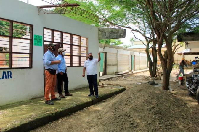 Colegio de Macayepos recibió la visita del Mineducación