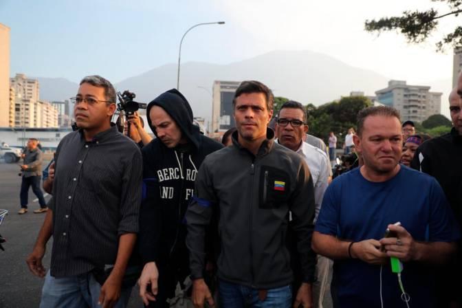 Resultado de imagen para OPERACION LIBERTAD EN VENEZUELA, LIBERAN A LEOPOLDO LOPEZ