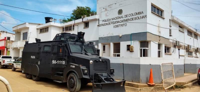 Policías de El Carmen se quejan por falta de atención