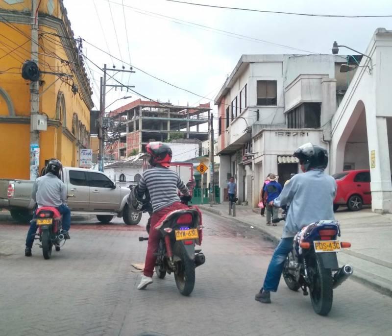 Motociclistas pueden ingresar sábados y festivos al centro de Sincelejo - El Universal - Colombia