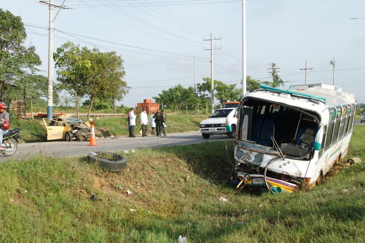 Ninguno de los ocupantes del bus salió con heridas graves. // Foto: Zenia Valdelamar.