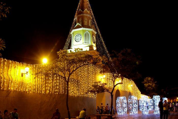 Este año la iluminación navideña de la ciudad iría desde el 1 de diciembre hasta el 13 de enero de 2020. // Luis Herrán.