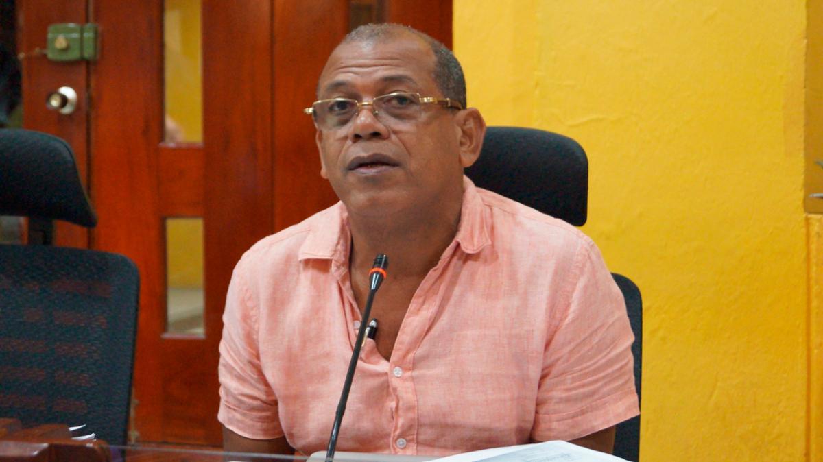 Américo Mendoza, concejal.