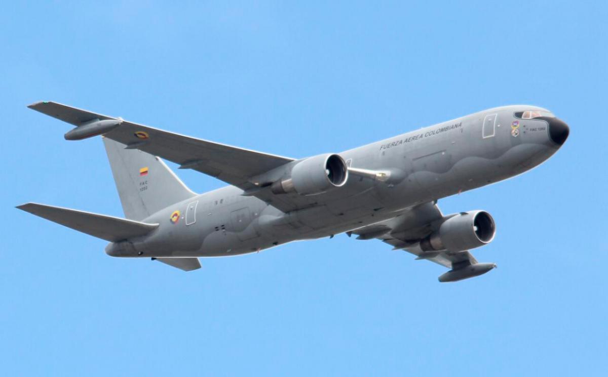 Se prevé que el Boeing 767, de matrícula FAC-1202, llamado Júpiter, despegue del aeropuerto militar Catam el próximo sábado y aterrice 30 horas después en Wuhan. // COLPRENSA