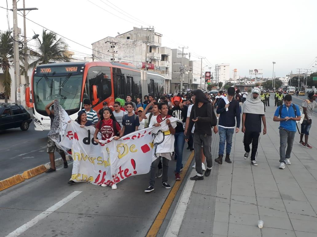 La marcha ha interferido en la operación del SITM. // Julio Castaño.