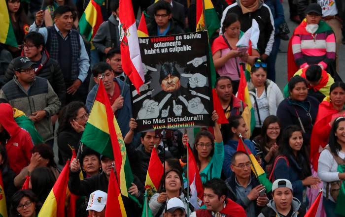 Las protestas contra la reelección de Evo Morales ya deja a dos personas muertas. // EFE