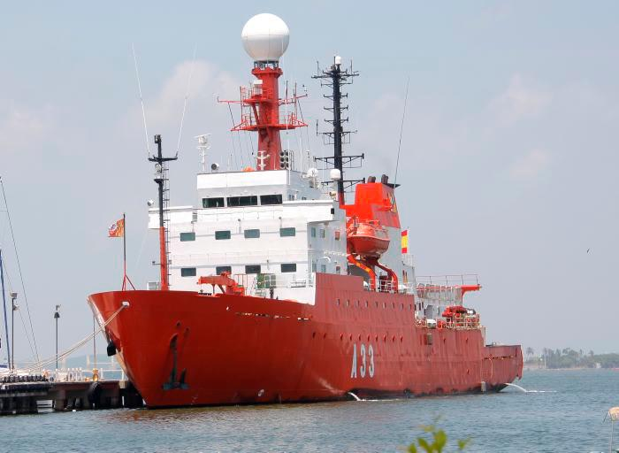 El buque está fabricado en casco de acero de alta resistencia, con quilla reforzada para poder operar entre hielos y cuenta con certificado de operación en aguas polares. // Archivo.