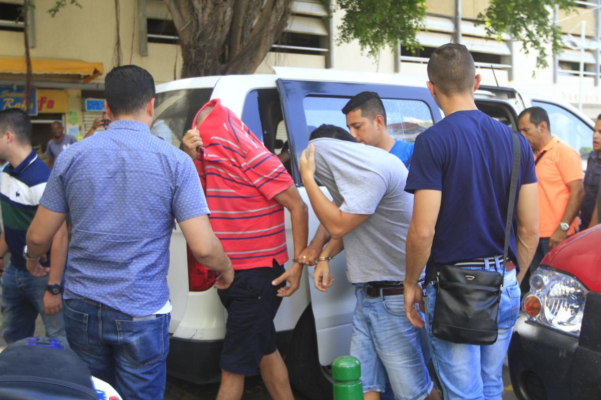 Hace unas semanas fueron capturados el padre, el marido y dos sobrinos de la Madame. Un sobrino fue dejado en libertad, mientras que el resto de procesados fueron enviados a la cárcel.