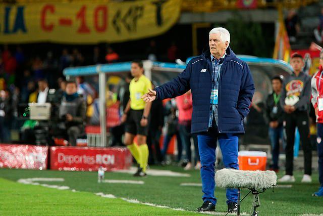 Con 71 años, Comesaña se convirtió en el técnico más exitoso en la historia del Junior. // Colprensa