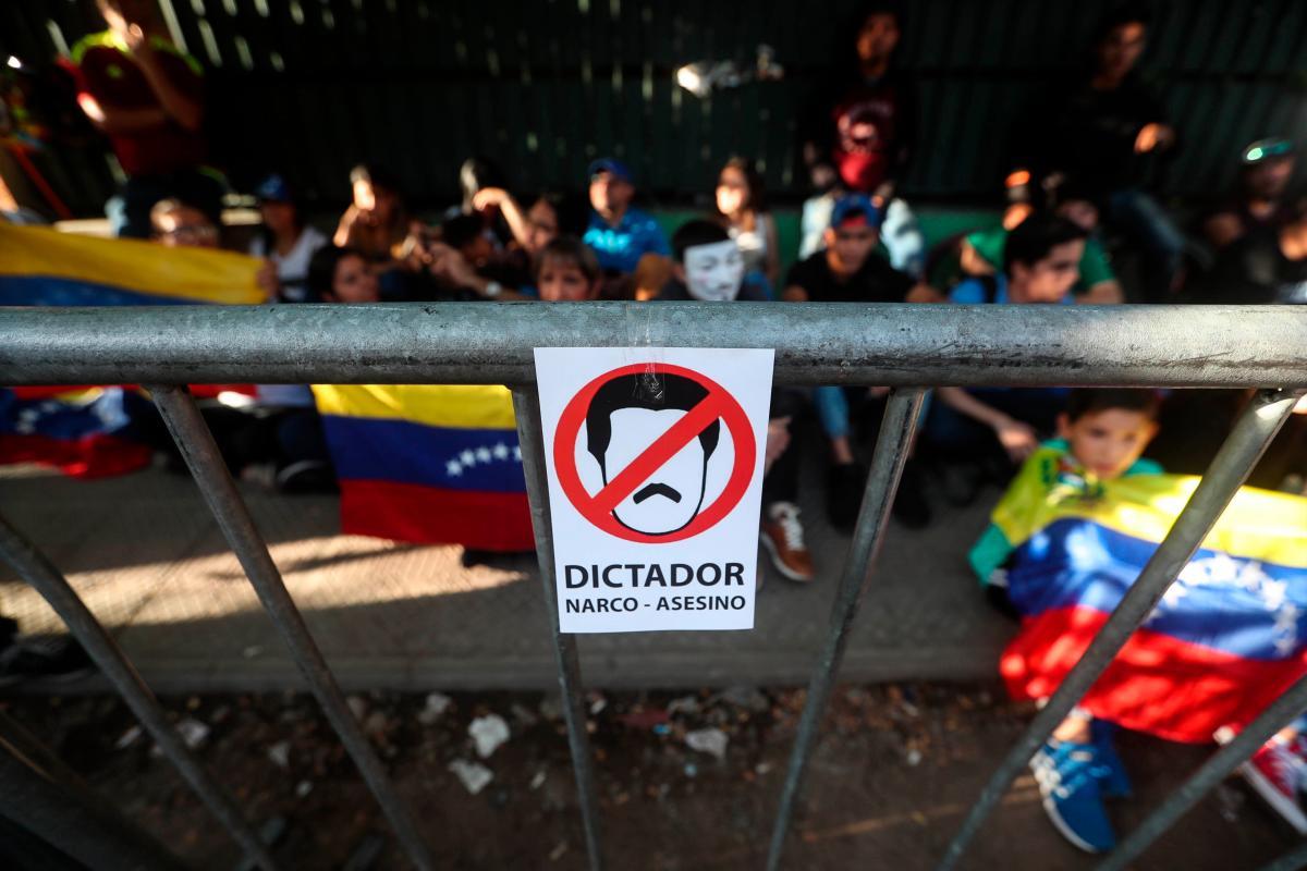 Congreso de Venezuela define plan para enfrentar a Maduro