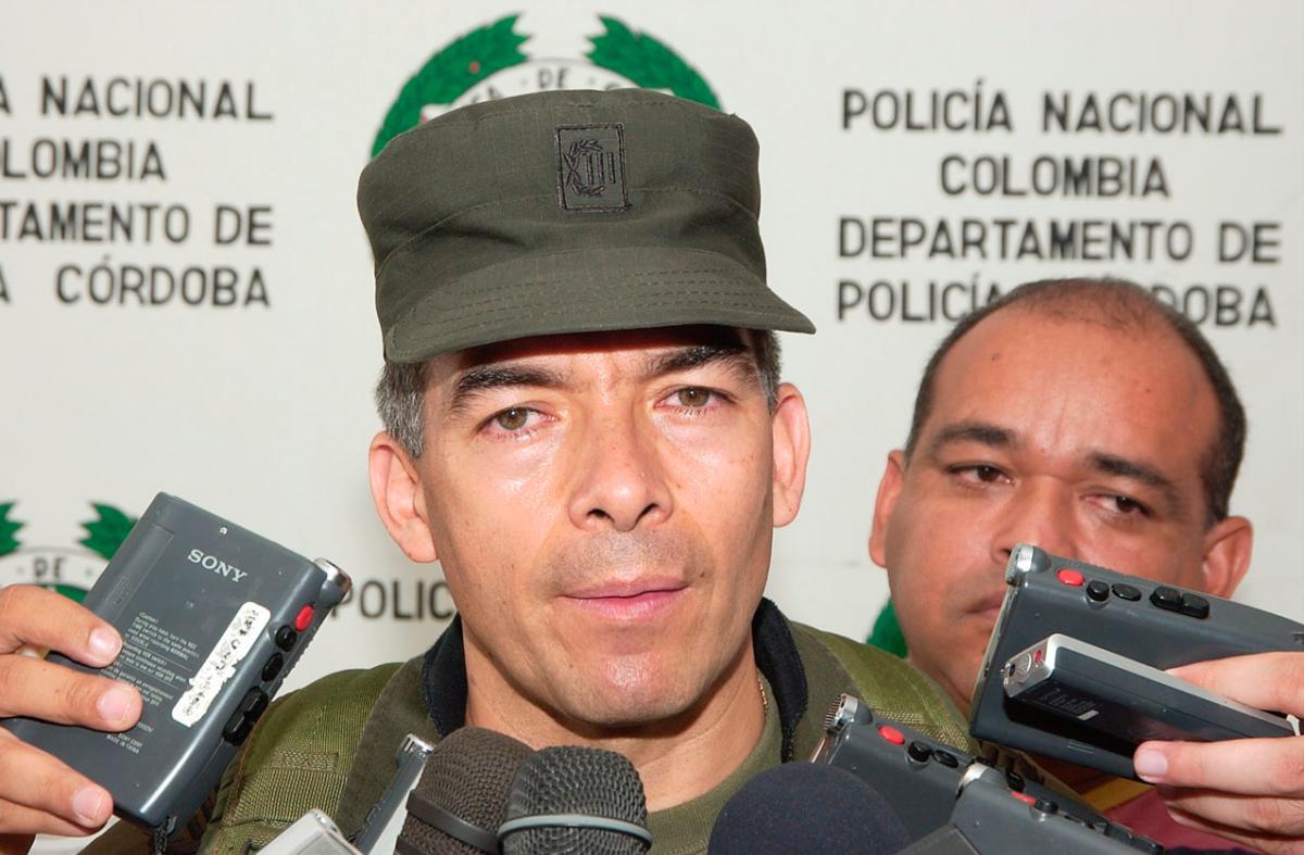 Fiscalía archiva indagación contra Atehortúa, director de la Policía Nacional