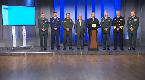 En la noche de este lunes el presidente Duque presentó la nueva cúpula militar. //Twitter.