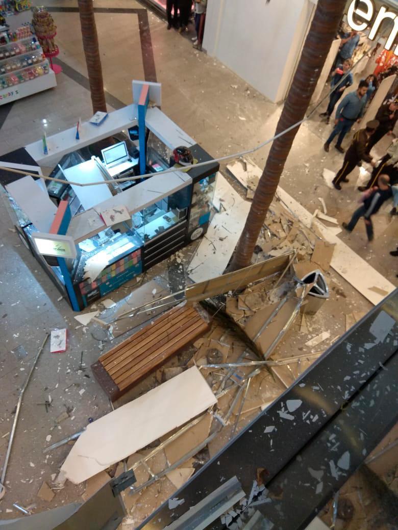 [Video] Desplome de parte del techo en Unicentro, en Bogotá