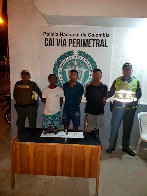 Los capturados fueron dejados a disposición de la Fiscalía.
