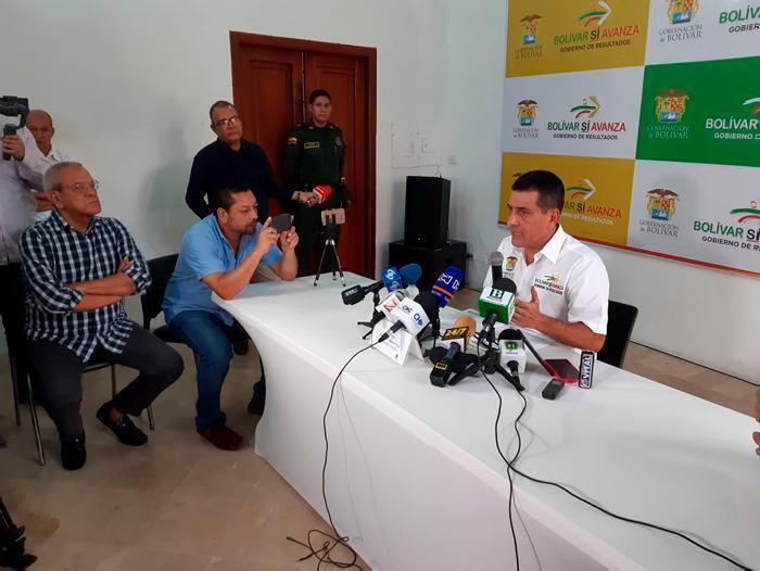 Imagen Dumek Turbay en Rueda de Prensa