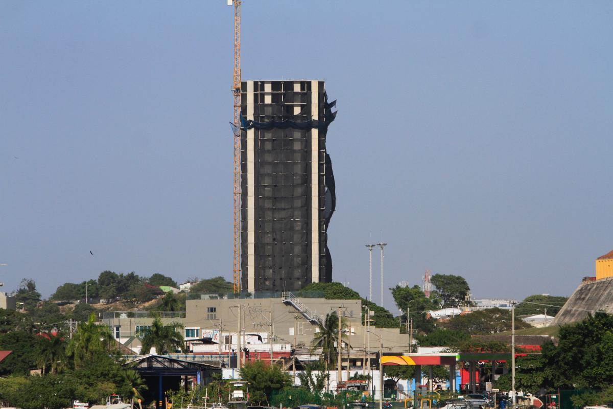 Los constructores alcanzaron a levantar 25 pisos en la torre uno de Aquarela. // Julio Castaño