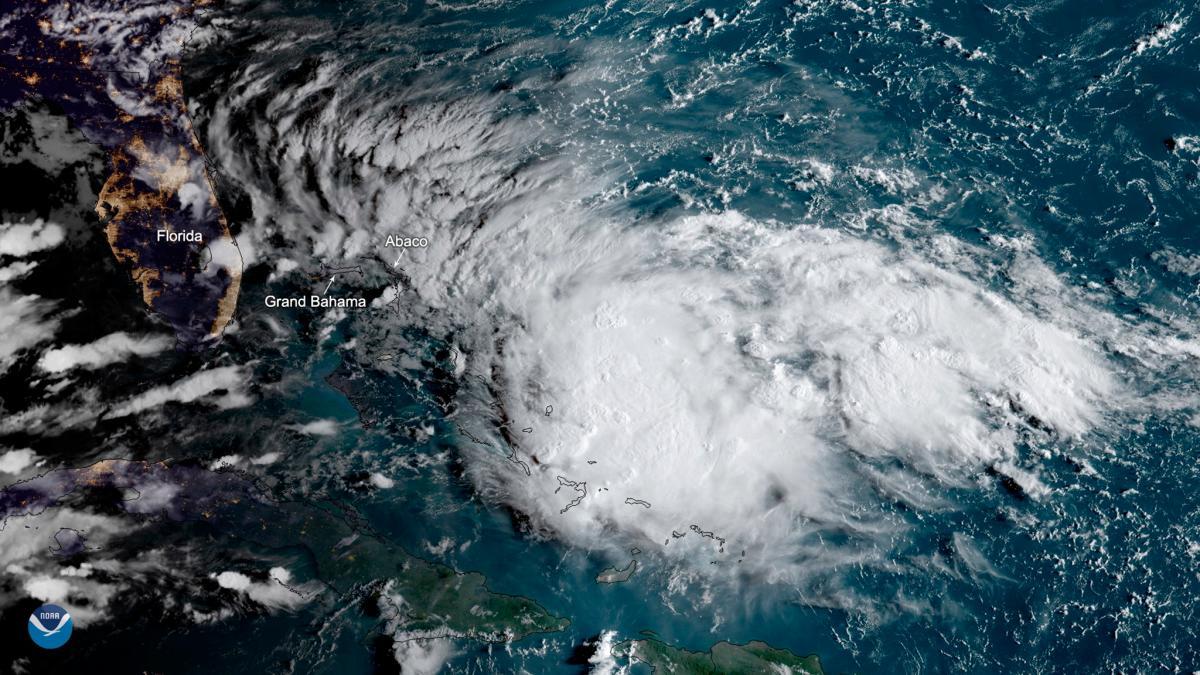 Potencial ciclón tropical con dirección a las Bahamas. // EFE.