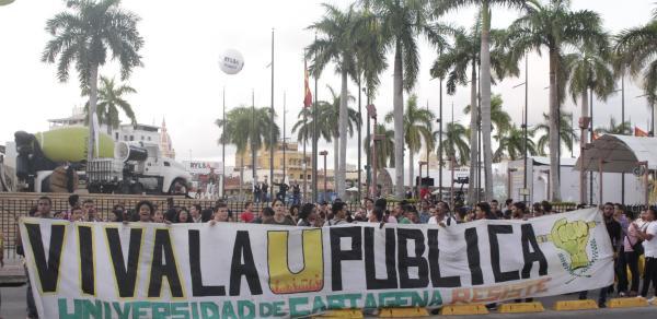 Marcha de estudiantes de la UdeC