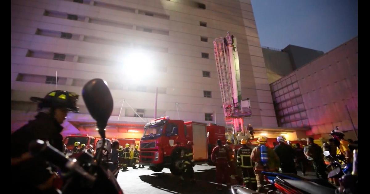 Dos muertos y catorce heridos en incendio en un hotel de Bangkok