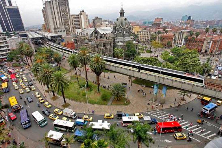 Toque de queda y pico y cédula, las nuevas medidas en Antioquia