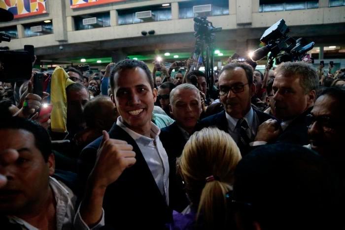 Juan Guaidó llegó a Venezuela, entro a Caracas por el aeropuerto internacional Simón Bolívar.