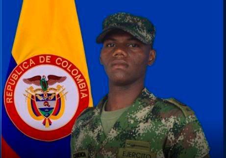 El cartagenero Luis Canencia murió en el ataque con explosivos al ejército en Arauca.//TWITTER