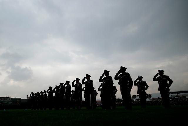 Mindefensa expide resolución para sacar a ocho oficiales del Ejército