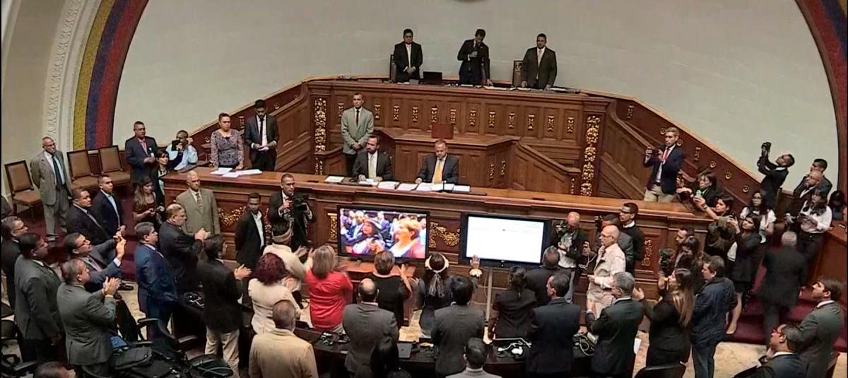 Parlamento venezolano autoriza el ingreso de ayuda humanitaria al país