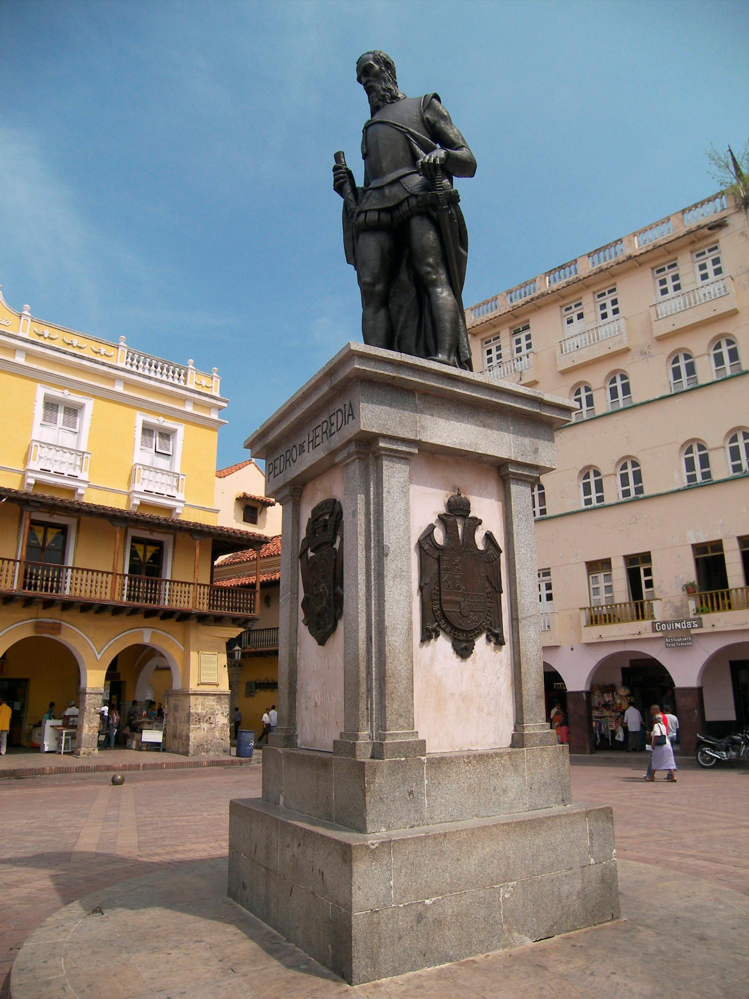 Estatua de Pedro de Heredia, Plaza de los Coches. //Foto: Archivo - El Universal.